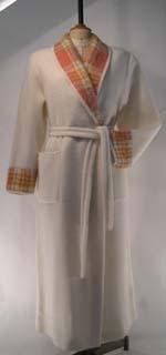 Robe De Chambre, Col Châle En Façon Pyrénées (Acrylique, Laine) Col Et  Revers En Mohair écossais.